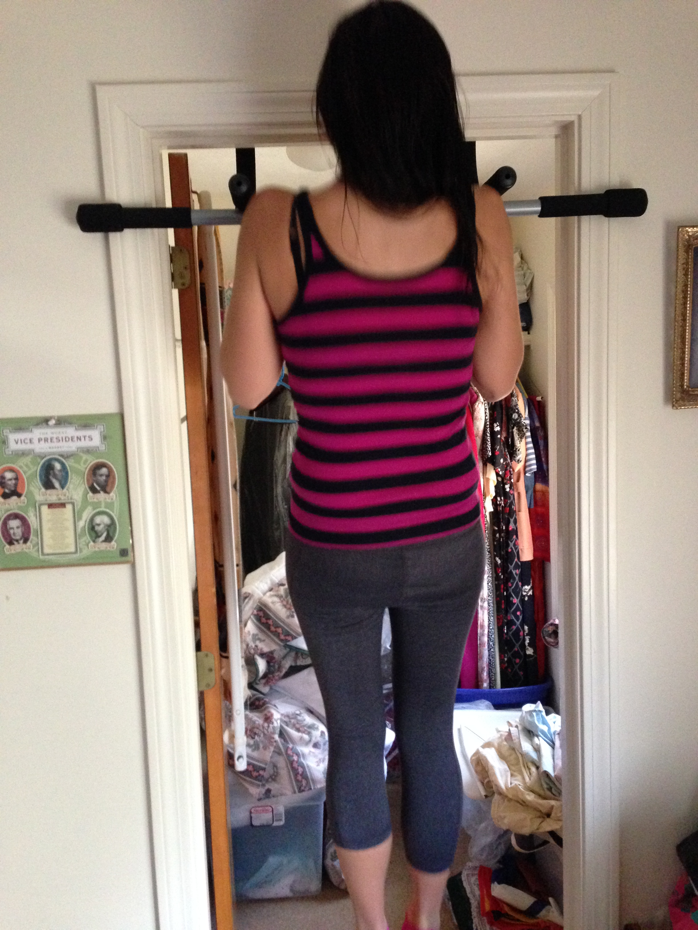 Family First: We didn't go to the gym once! Luckily, Deepak has installed this pull-up bar in the bedroom doorway. Yes, I can comfortably do 1.5 pullups. ~Still got it~
